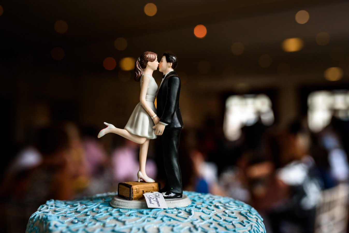 wedding-cake-vintage-bride-and-groom-topper-dunkenhalgh-hotel