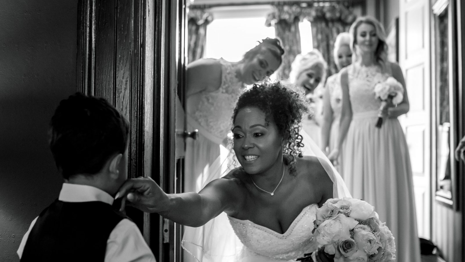 best-wedding-photos-2017-kimberley-and-joseph-bridesmaids-bride-and-her-son