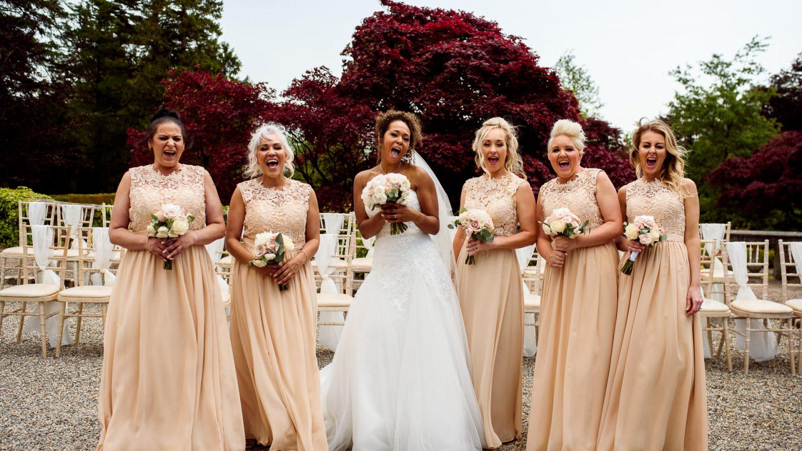 best-wedding-photos-2017-kimberley-and-matthw-bridesmaids-