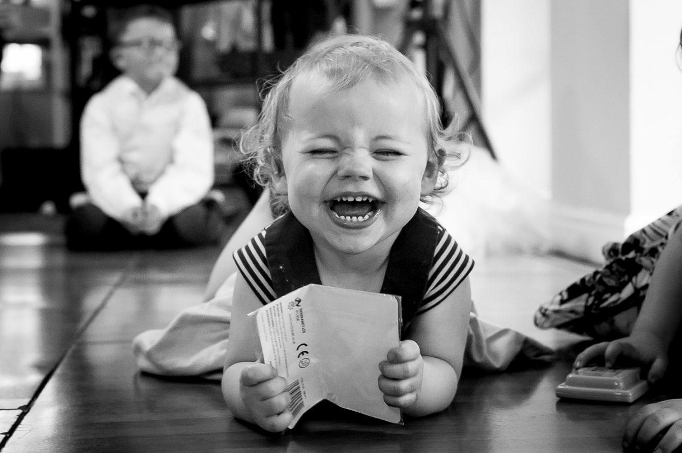 tips_for_entertaining_kids_at_weddings